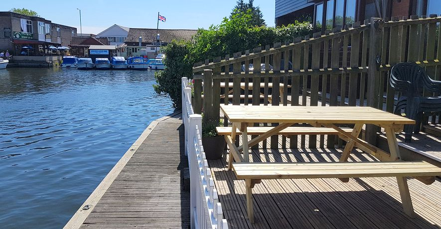 Riverside Cottage decking and moorings