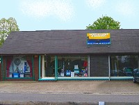 Wroxham Angling Centre - Local supplies of all fishing bait and tackle.